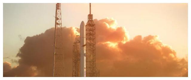 """蓝色起源巨型火箭""""新格伦""""的鼻锥足以容纳整枚""""新谢泼德""""火箭"""