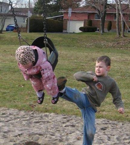 笑话段子搞笑图片:谁曾有过再也不相信女人的瞬间?