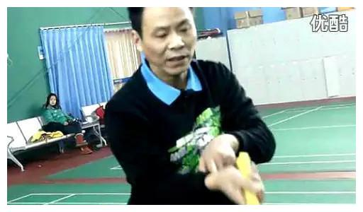 羽毛球李士伟教练,用自己语言,准确到位通俗明白的讲解勾球技巧