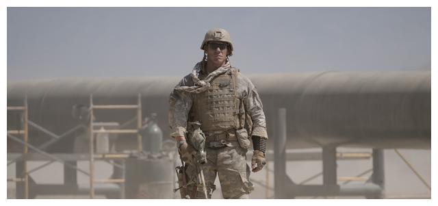 《生死之墙》,不走好莱坞英雄套路的狙击电影,反派成剧情的主宰