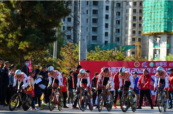 2020年全国公路自行车锦标赛在唐山迁西继续进行