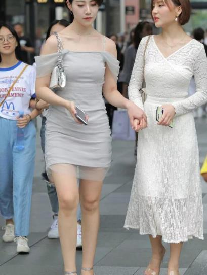 小白裙子穿上很英姿飒爽?美艳无比,带来温暖的视觉享受