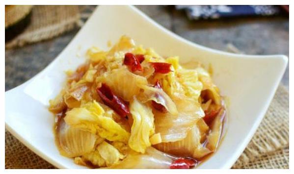 美食推荐:西葫芦炒土豆、酸萝卜老鸭汤、腐竹大拌菜、醋溜娃娃菜