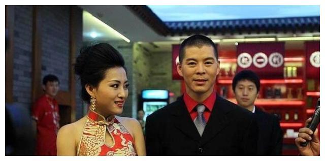她19岁嫁给赵本山的徒弟,出演过赵家班的每部剧,却一直不温不火