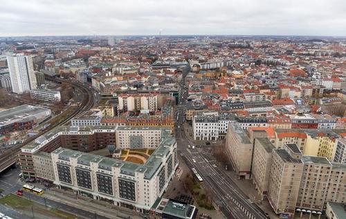 来自德国的心酸!贫富差距大,普通人不吃不喝8年才能在柏林买房