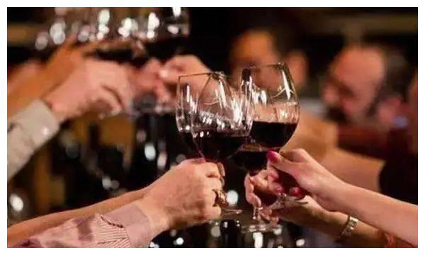 在勃艮第,几乎每一家酒商都离不开葡萄酒中介!