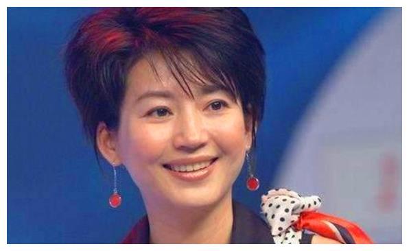 她是潘虹前夫,离婚后和央视王小丫相爱,如今72岁还是孤身一人
