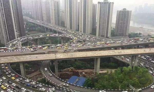 """中国先""""堵城"""",开车比走快好,且北上广不受阻碍"""
