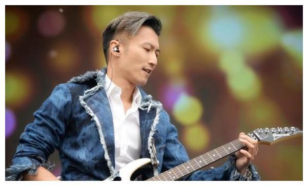 谢霆锋创业17年身价超60亿,杨幂粉他20年,难怪王菲铁了心复合!