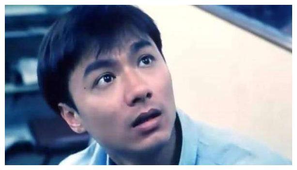 他曾是第一美男子,迷倒刘嘉玲,如今60岁破产满头白发尽显老态