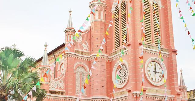 世界上最梦幻的粉色教堂, 糖果色般的少女心, 美过城堡!