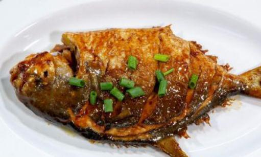精选美食:干烧鲳鱼,孜然羊肉片,茄汁陈皮牛筋,过桥排骨的做法