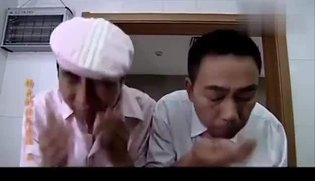 杨光的快乐生活:杨光和条子参加喜宴,龙虾和螃蟹吃的真过瘾!