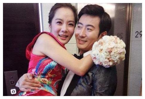 蔡琳二婚远嫁中国,6年后戴着尾戒,带着儿子在韩国生活