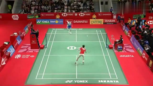 国羽一哥石宇奇,大战香港男单李卓耀,精彩瞬间,最后一球很意外