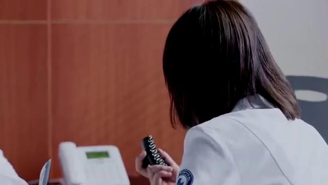 外科风云:晨曦发现妈妈要苏醒,激动的告诉庄恕,他瞬间惊呆!