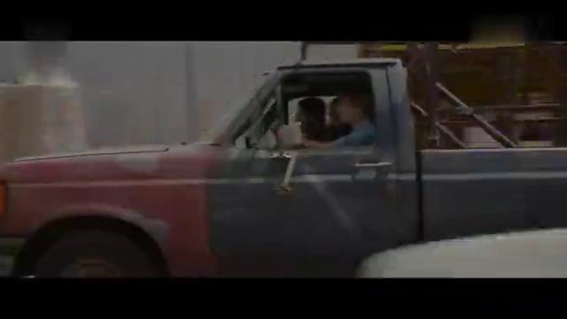 黑暗终结者预告片 阿诺德 · 施瓦辛格