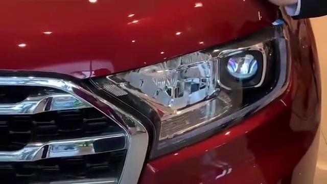 视频:2020款福特撼路者到店展示,亮起LED大灯的那刻,才是惊艳的开始