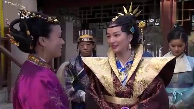 大明嫔妃:贵妃意外打翻茶水,手帕竟出现诅咒言语,贵妃大发雷霆