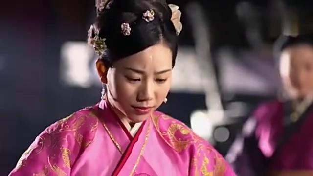 芈月传:楚怀王挺会玩啊!选妃时让秀女闻他身上的气味!