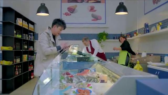 人间至味是清欢:IT男抠门买海鲜,美女白领亲自做饭