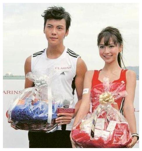 在香港19年不温不火,到内地捞金意外走红,如今身价已过亿!