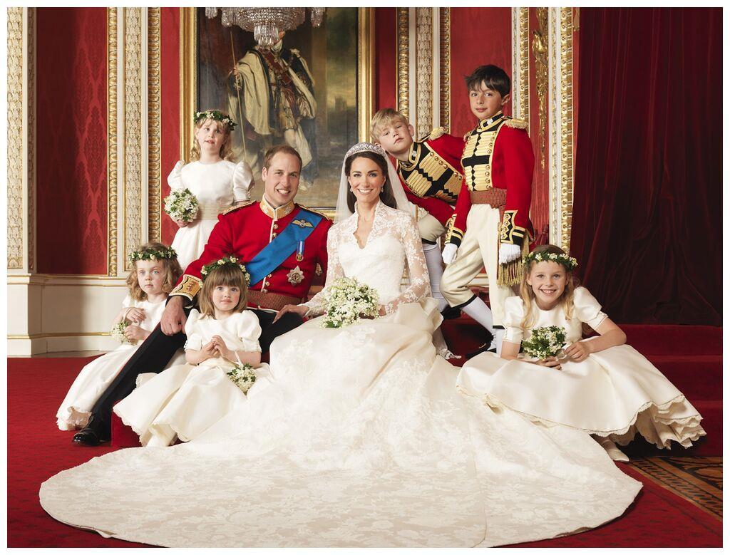 伊丽莎白皇后的阴影,哈里,梅根和阿奇在圣诞节演讲时,不在其中