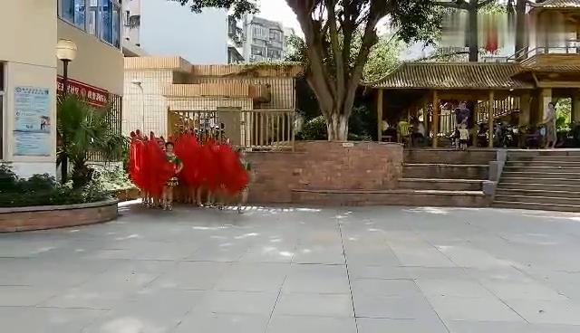 红纱巾舞动《红旗颂》队形造型漂亮适合表演和参赛