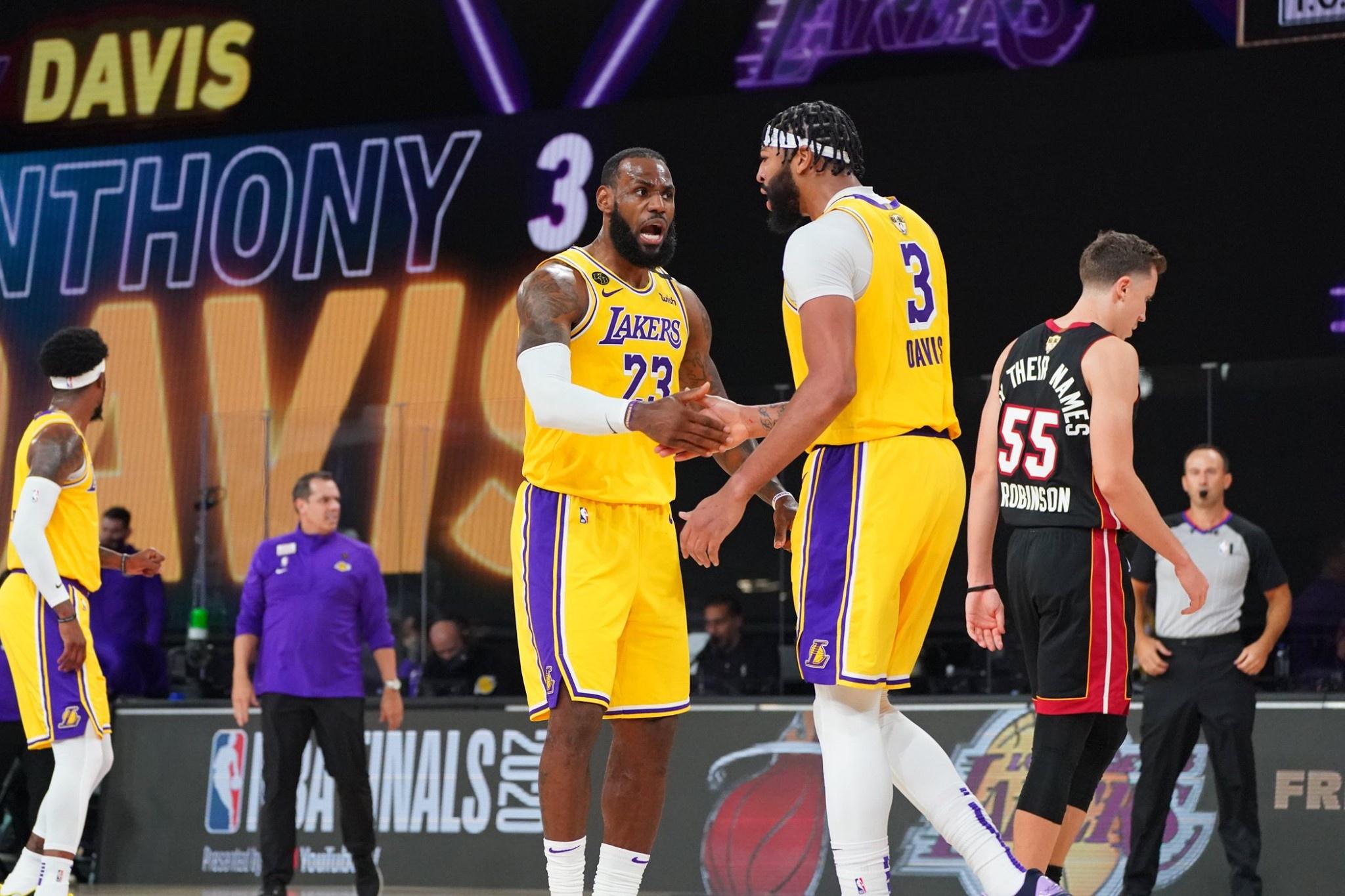 NBA总决赛第一场如期上演,最终洛杉矶湖人队以116比98战胜迈阿密热火队