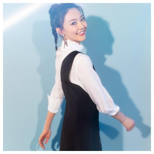 黄梦莹合作马丽上演甜美空姐,为爱倒追孙坚!