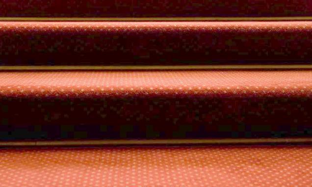 头一次见装修师傅这么装修楼梯,美观又防滑,聪明人知道