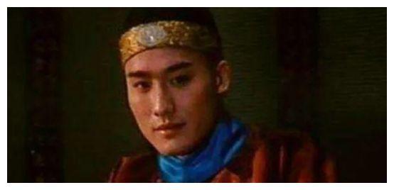 千面影帝,迄今为止,他仍是唯一一个坐上过真龙椅演皇帝的演员