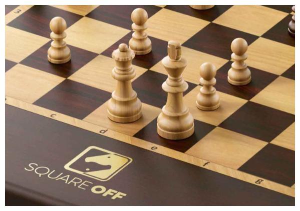 魔法还是科技?会自己移动的国际象棋来啦!