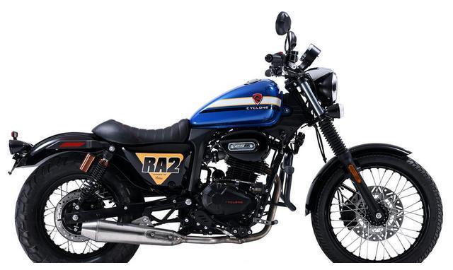 难超越的摩托!250cc输出18马力,电喷+前双碟刹,仅1.4万起