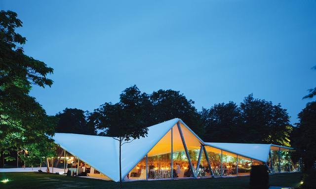 扎哈建筑事务所设计的蛇形画廊开放20周年