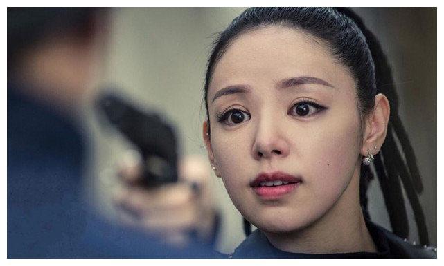 TVB小花官宣怀孕喜讯!晒挺着孕肚与新婚老公的恩爱婚纱照