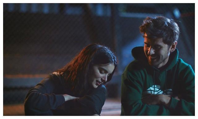 《名利场》2020年十大佳片,裘德·洛《秘密窝点》排名榜首