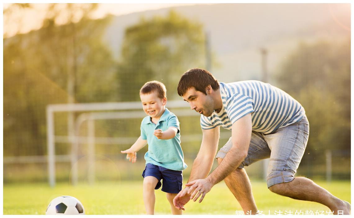 知道老爸育儿的好处多多,妈妈就要学会放手,多给老爸机会啊