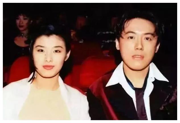 她是张宇背后的女人,12岁相识相恋35年,为张宇写150首歌!