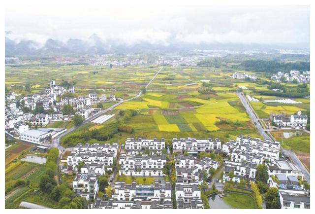"""古徽州最""""富有""""的村子,被大自然包围,景色让人流连忘返"""