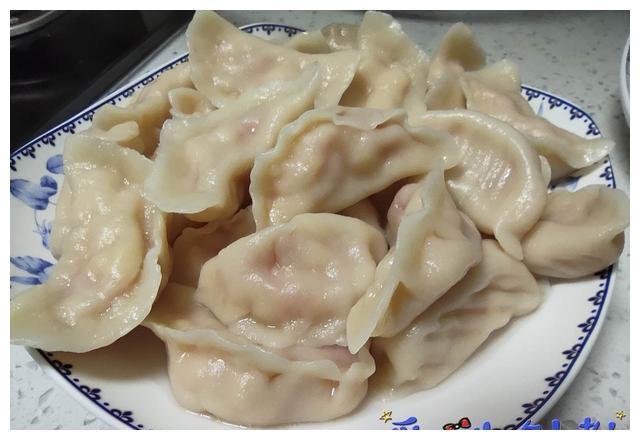 """亲子美食逆袭系列:""""西红柿鸡蛋水饺"""",孩子爱吃的应急速成午餐"""