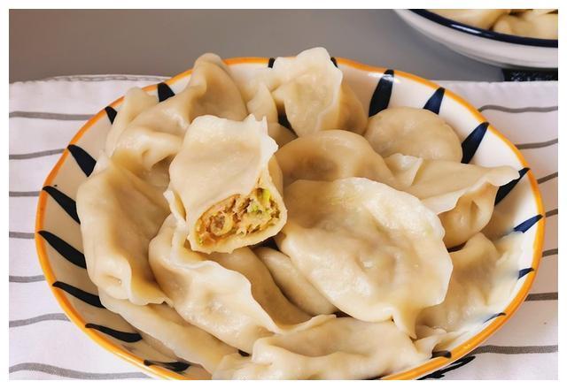 夏天吃饺子不能错过这馅,香鲜真好吃,儿子连吃30个还没够