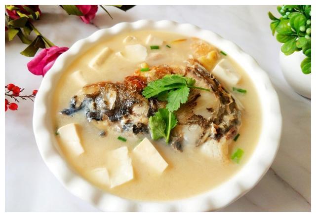 鱼头汤这样做真鲜,营养补钙!还能增加记忆力,孩子隔三差五要喝