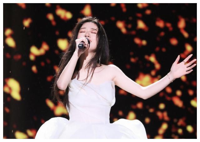 单依纯《好声音》夺冠,却不知在两年前被韩红淘汰过,打脸不!