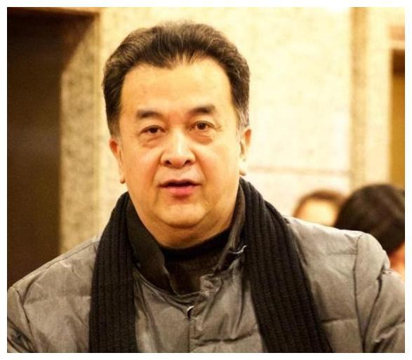 五年前,国家一级演员黄宏上午被免职,下午就被带走,今现状堪忧