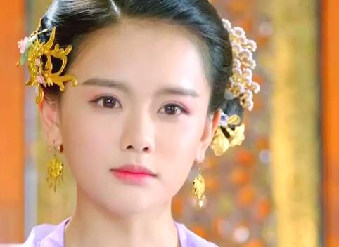 楚乔传:兰儿贵为皇妃,始终不忘洛河恩情,在大殿上公然维护楚乔