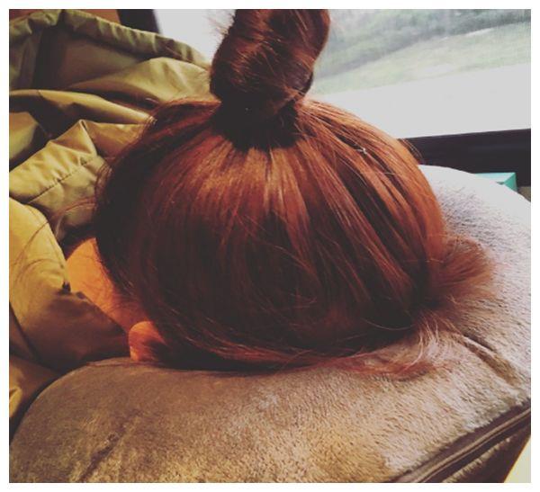 女星的睡姿有多花俏,鞠婧祎杨超越还好,看到许佳琪:这都能睡着