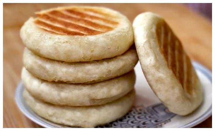3个苹果,1碗糯米粉,教你做小饼,香甜松软,家人百吃不厌