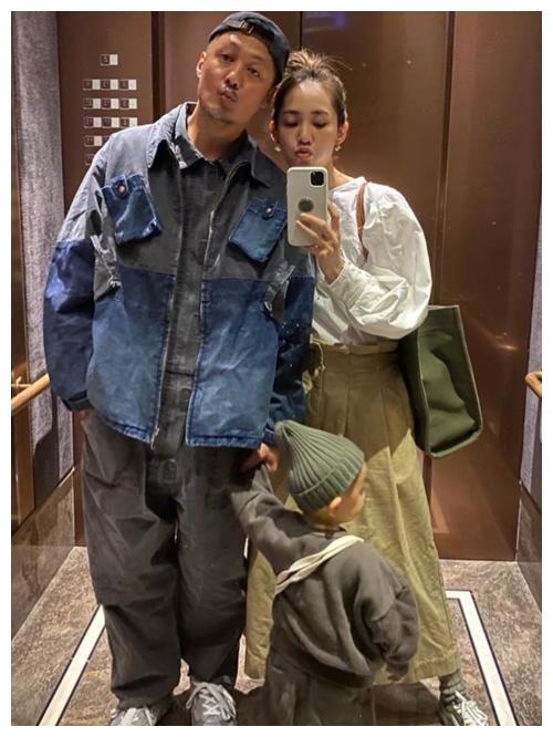 王棠云很会穿搭,身材高挑穿衣时髦,怪不得能把余文乐征服了!