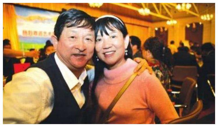 谢娜家庭背景曝光,怪不得能事业顺利,张杰与她生活这么幸福